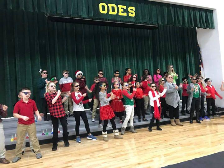 Hip hopping elves...